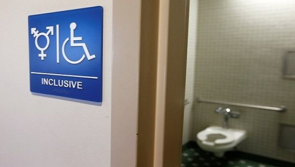 Obama Issues School Rules On Transgender Bathroom Access News Telesur English