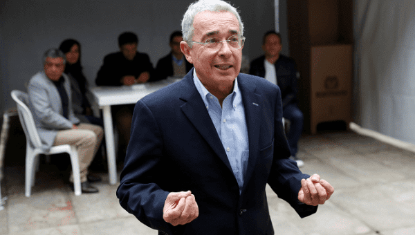 Alvaro Uribe after voting in the first round of presidential elections, on May 27.