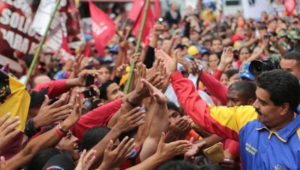 Canciller peruano pide romper relaciones con Venezuela