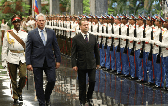Cuba's President Miguel Diaz-Canel and Russia's Prime Minister Dmitry Medvedev during a ceremony at the Revolution Palace in Havana, Cuba, October 3, 2019.