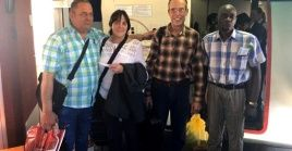 The four Cuban doctors Amparo García, Idalberto Delgado, Ramon Alvarez, and Alexander Torres, detained in Bolivia since Nov. 13, were released and made their way back to Cuba.